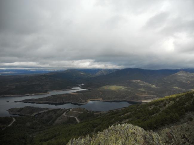Embalse del Atazar desde el Vértice Geodésico del Cancho de la Cabeza